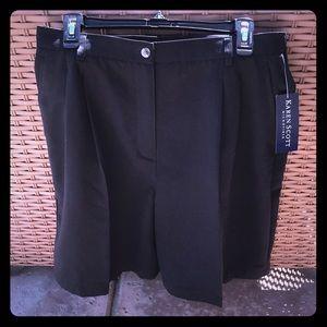 Karen Scott black shorts